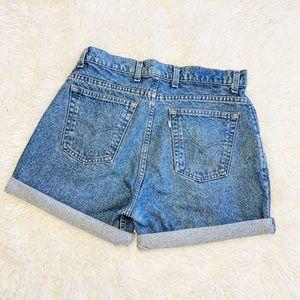 Levi's mom shorts